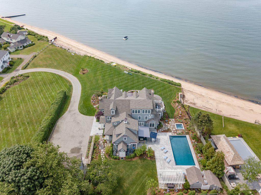 building-lot-designer-fit-beach-shore-pool